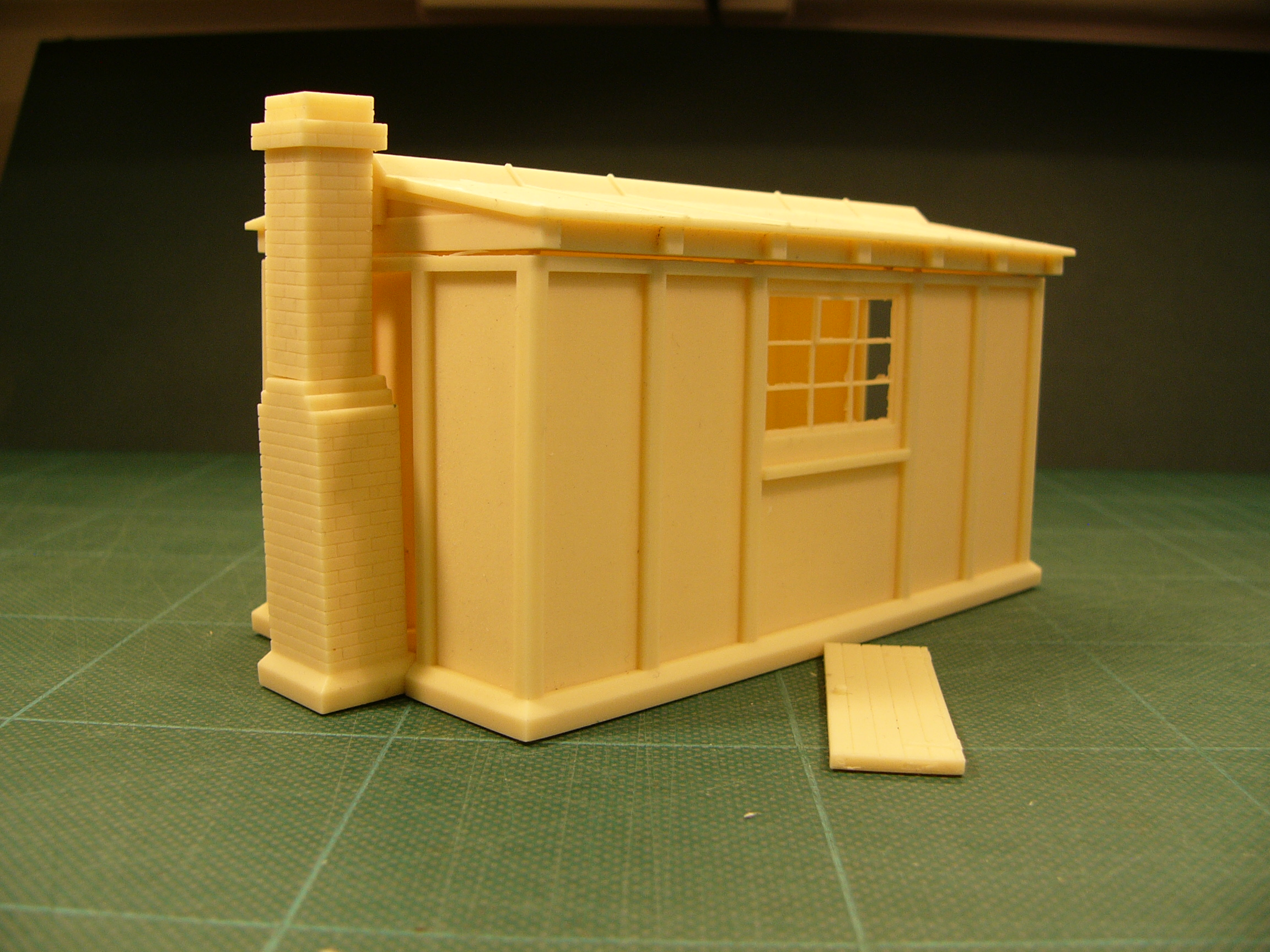 7B028 GWR Concrete Lineside Hut Kit