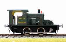 7mm Scale/0 Gauge Fowler 0-4-0 Diesel in Plain Green by Ixion