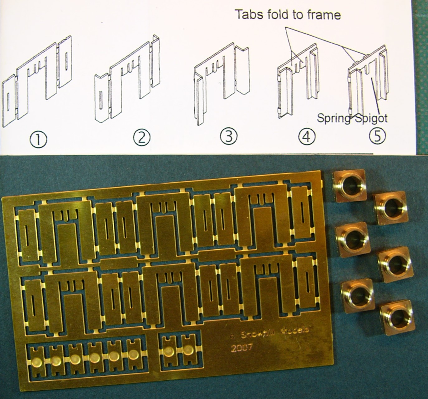 7A207 Etched Brass Sprung Hornblocks by Roxey Mouldings (6)